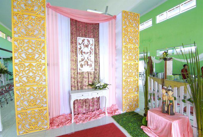 Fathoriq & Azizah Wedding by Lova Fotografia - 011
