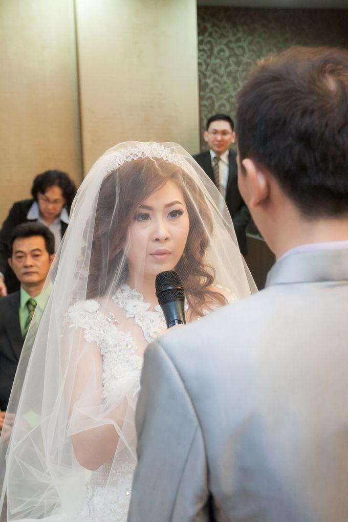 Vinton&Sisca Wedding by Okeii Photography - 025