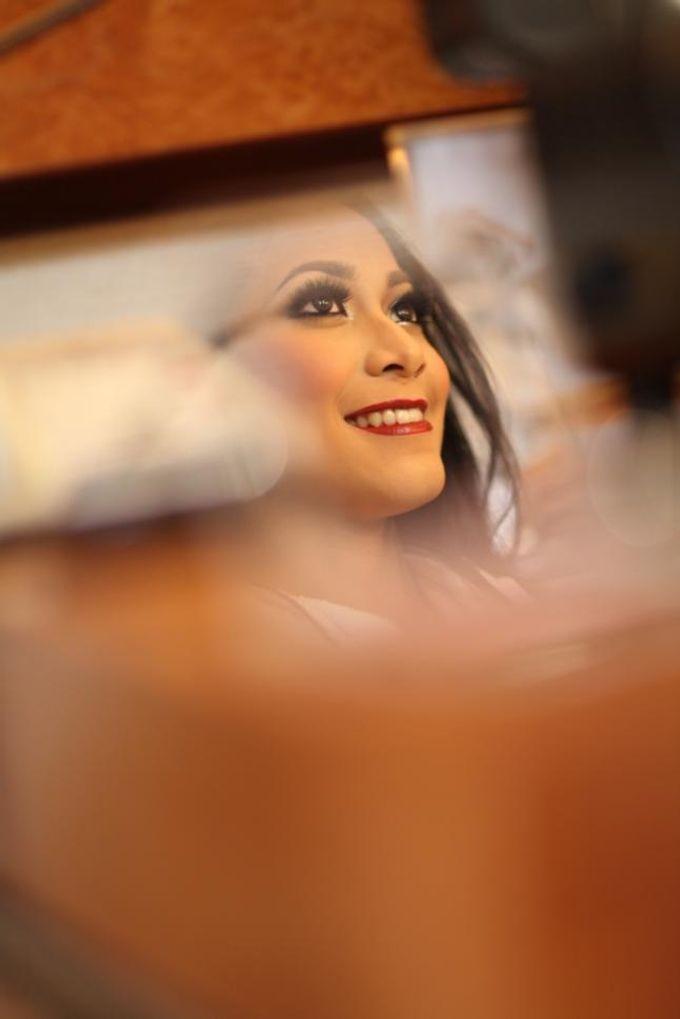 Wedding make up for Tara Rawindra (Javanese Paes& Padang) and Kathya Paramitha (National) by Yoga Septa Make Up Artist - 004