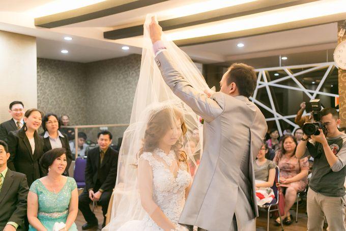 Vinton&Sisca Wedding by Okeii Photography - 027