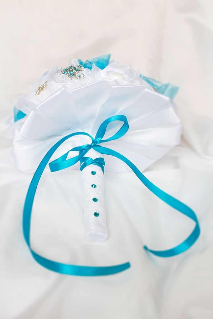 Over the Sea Bridal Brooch Bouquet by Marini Bouquets - 002