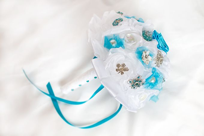 Over the Sea Bridal Brooch Bouquet by Marini Bouquets - 007