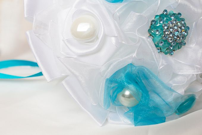 Over the Sea Bridal Brooch Bouquet by Marini Bouquets - 011