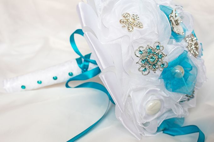 Over the Sea Bridal Brooch Bouquet by Marini Bouquets - 012