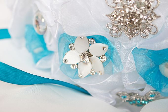 Over the Sea Bridal Brooch Bouquet by Marini Bouquets - 014