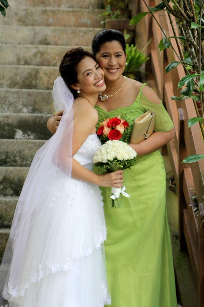 Gail Bridal Gown & Entourage by Obra Alta Costura | Bridestory.com