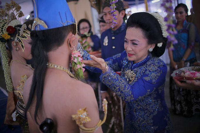 Galih & Risma Wedding by Faust Photography - 012