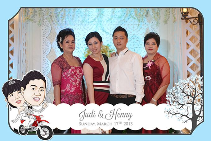 The Wedding of Judy & Henny by After 5 Photobooth - 002