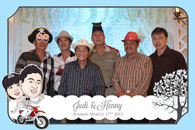 The Wedding of Judy & Henny by After 5 Photobooth - 007