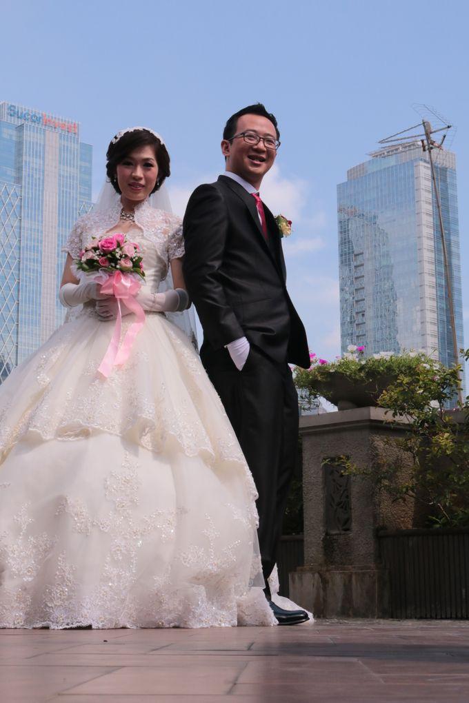 Sampoerna Strategic Square - Adit & Irene Wedding by Impressions Wedding Organizer - 012