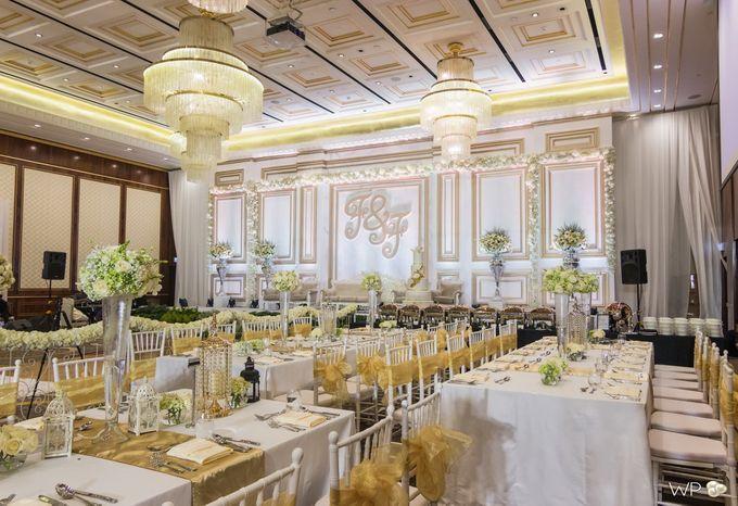 Four season 20161105 by white pearl decoration bridestory add to board four season 20161105 by four seasons hotel jakarta 001 junglespirit Gallery