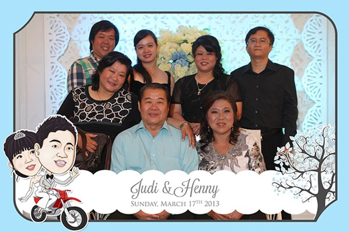 The Wedding of Judy & Henny by After 5 Photobooth - 015