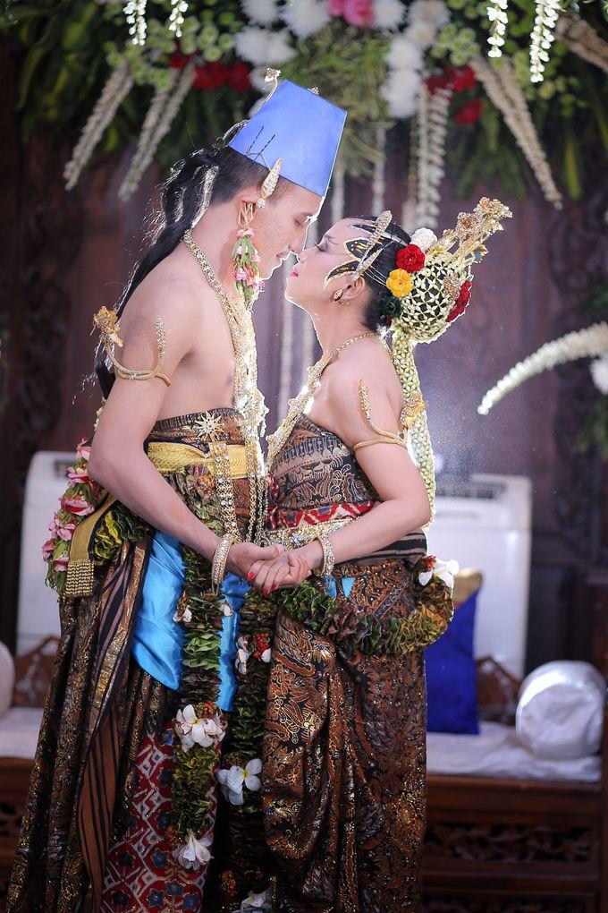 Galih & Risma Wedding by Faust Photography - 019