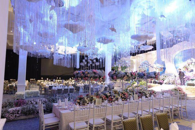 Intimate wedding at vasa grand ballroom by vasa hotel surabaya add to board intimate wedding at vasa grand ballroom by lasika production 001 junglespirit Images