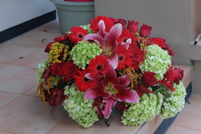 Flower Arrangement Basket & Hampers by Les Fleur Flower Design - 005