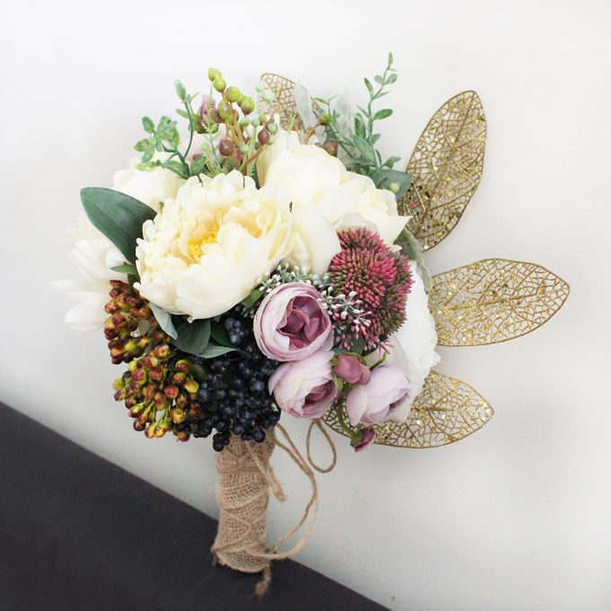 Custom Hand Bouquet by The Bride and Butter - 013