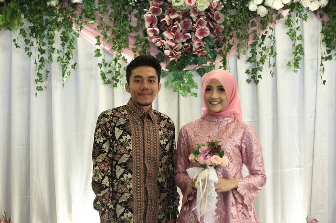 Hasni & Heru Engagement by Garland Galore Flower Shop - 008