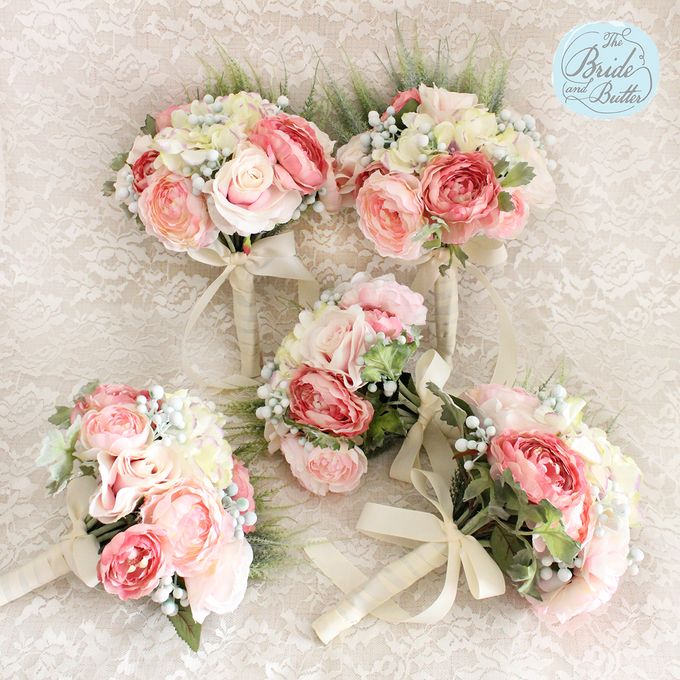 Custom Hand Bouquet by The Bride and Butter - 022