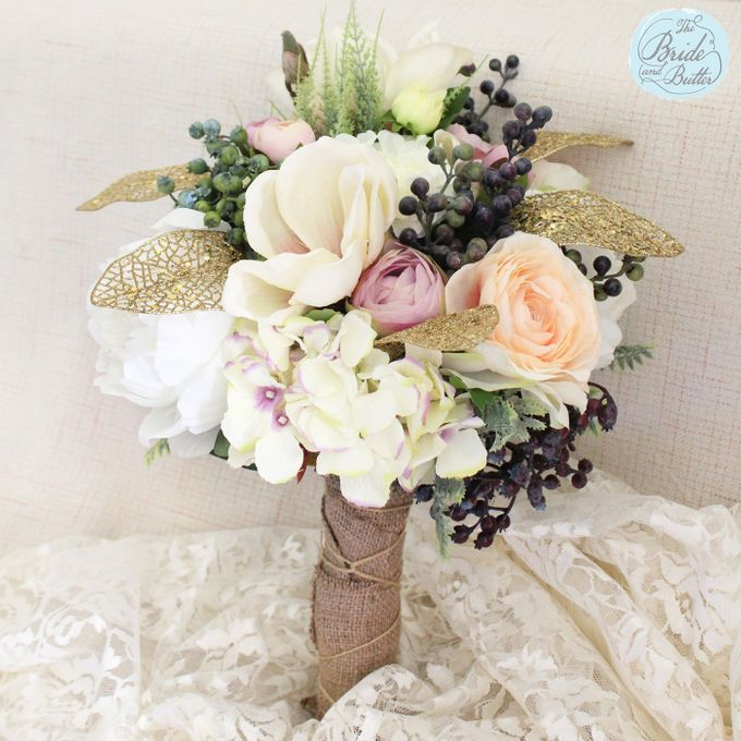 Custom Hand Bouquet by The Bride and Butter - 015