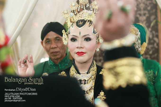Pernikahan Adat Jawa by Jalutajam Photoworks - 030