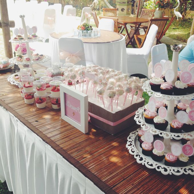 Dessert Table and Mini Bites by MUNCH COOKIES - 004