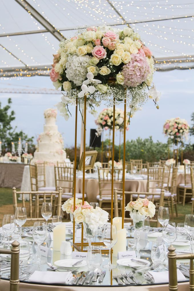 Wonderful White Wedding Theme By Red Gardenia Bridestory