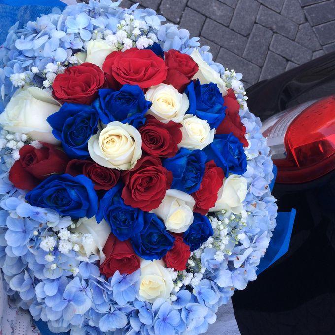 Colored Flowers by Les Fleur Flower Design - 012