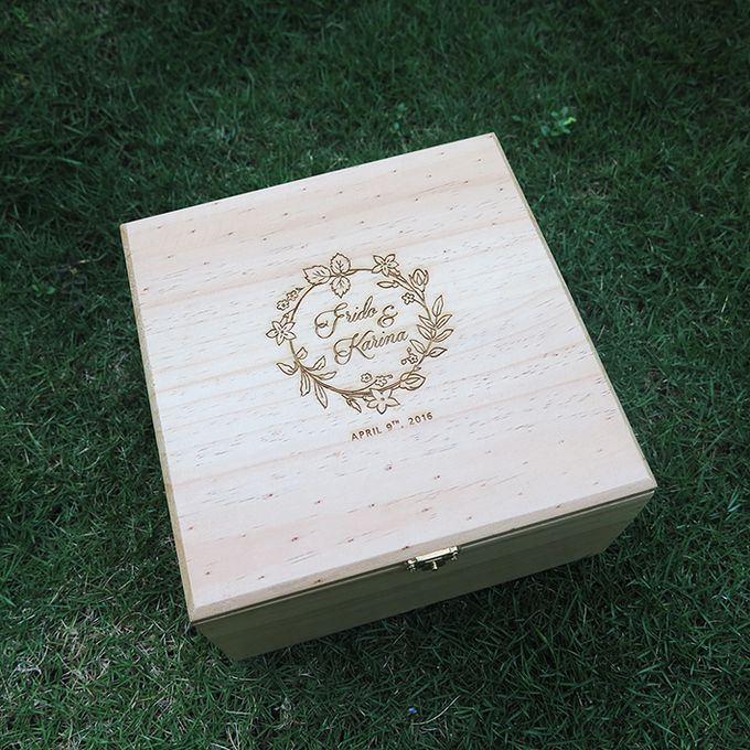 Wooden Box by Sesso - 001