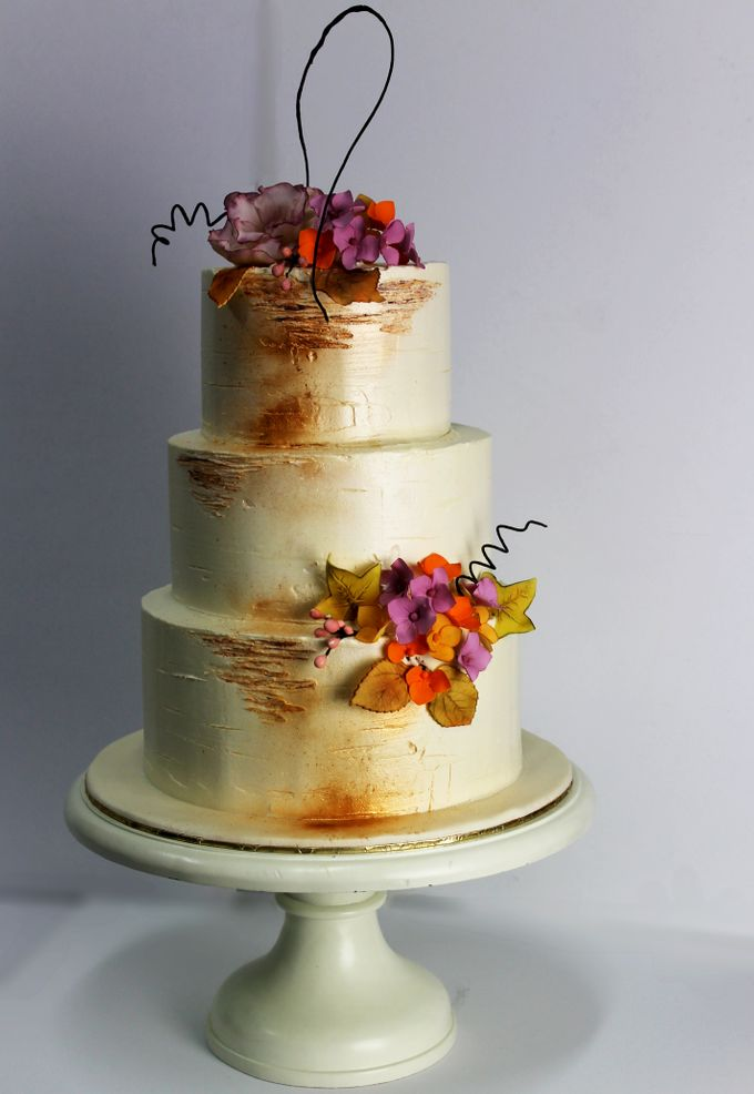 Sugar Floral with Buttercream by Carousel Moments - 009