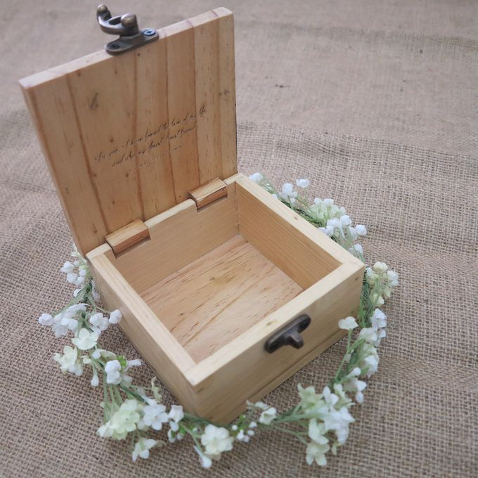 Wooden Box by Sesso - 010