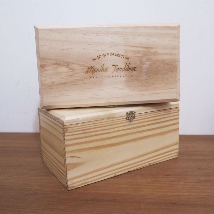 Wooden Box by Sesso - 011