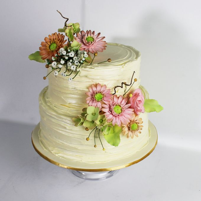 Sugar Floral with Buttercream by Carousel Moments - 010