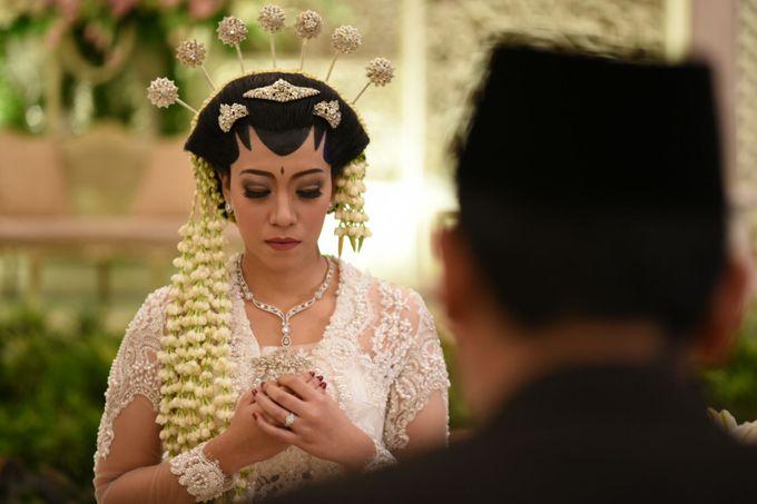 CINDY & WIBI - AKAD NIKAH & WEDDING RECEPTION by Mamie Hardo - 006