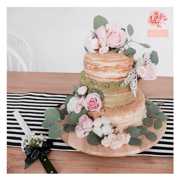 Wedding cake flower decor by Pivoine Flower Shop - 007
