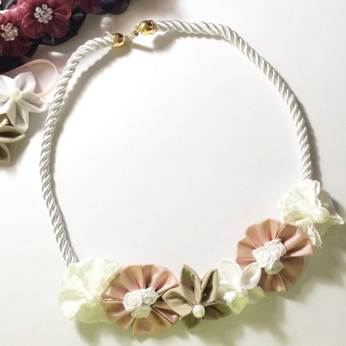 Bridesmaid Accessories by Pastiche Touch - 003