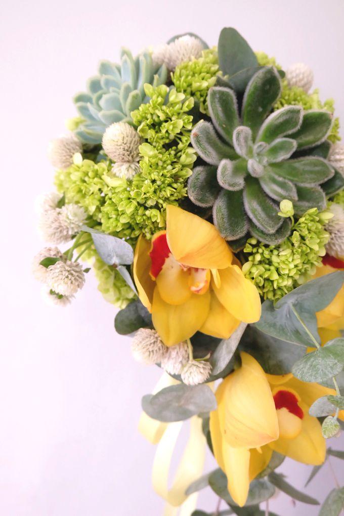 Lush Garden Bouquet by Il Fiore - 004