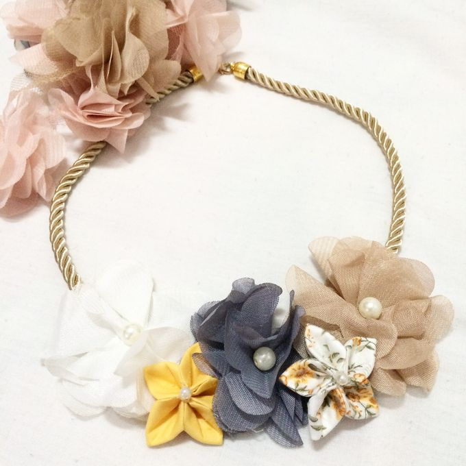 Bridesmaid Accessories by Pastiche Touch - 002