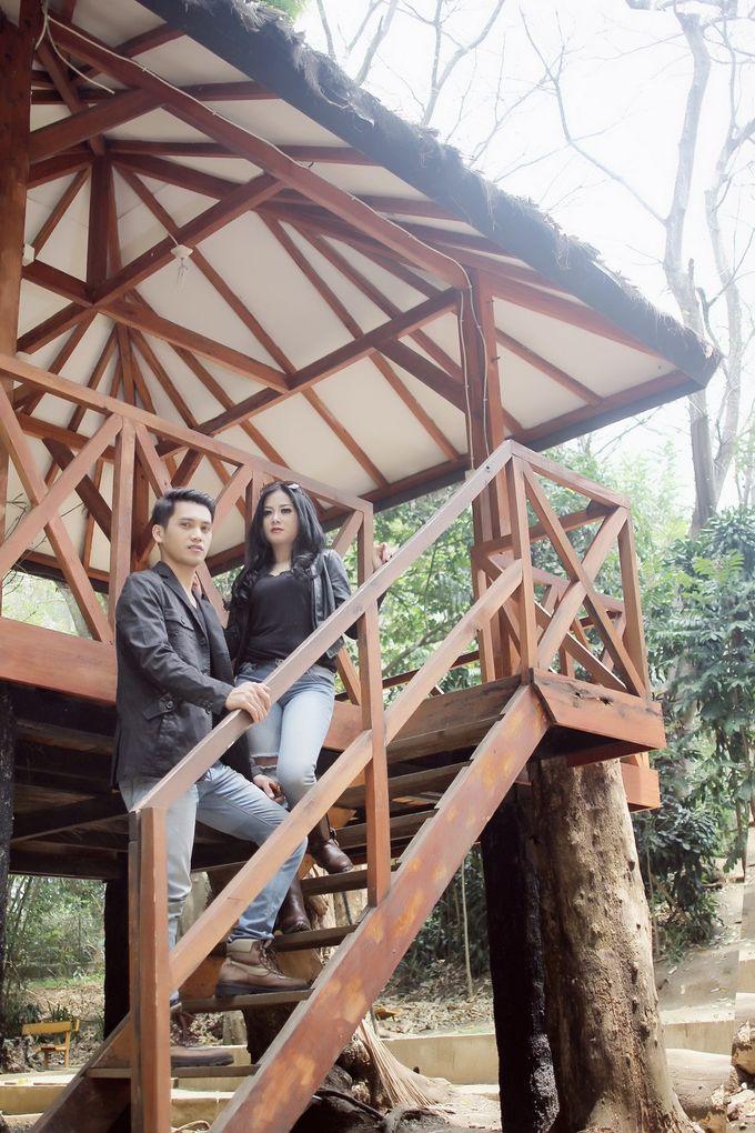 prewedding Ria + Irawan by twentyfour pictures - 008