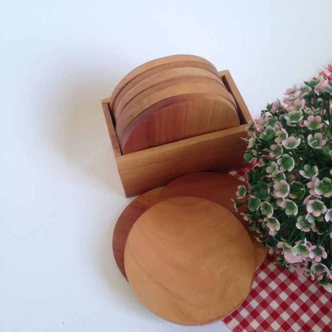Wooden Round Coaster by La Dame in Wood - 001