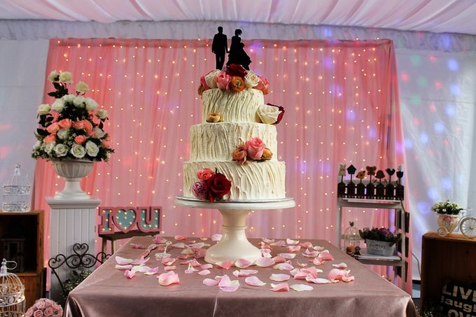 Buttercream Rustic with Fresh Floral by Carousel Moments - 001