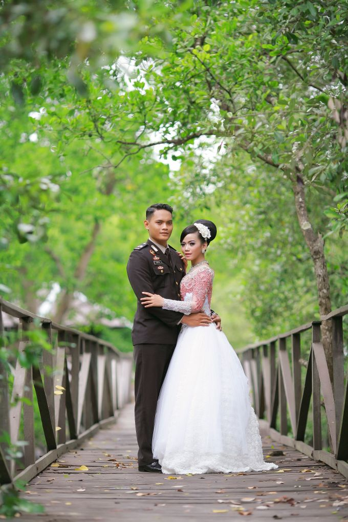 Prewedding Arizal & Shanty by KitaMoto Photography - 004