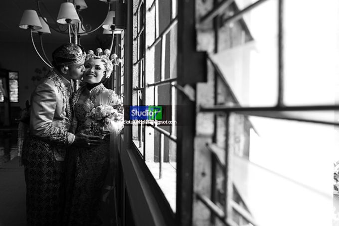 Wedding Pipit & Ipung by Studio 17 - 014