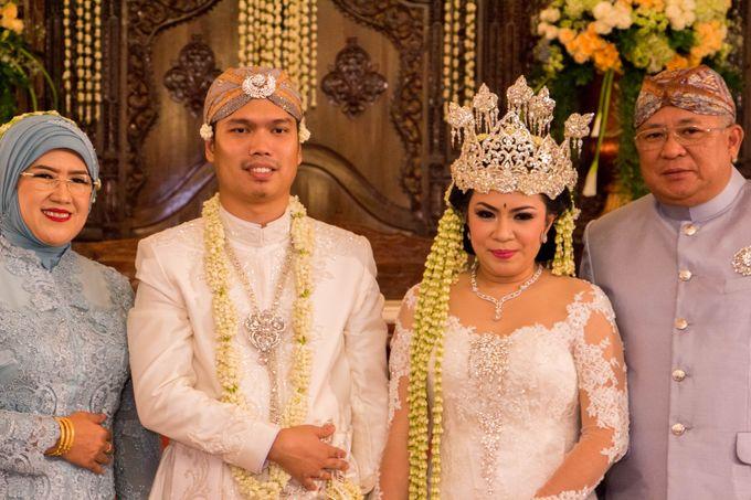 Wedding Of Mitya & Adjie by Mamie Hardo - 011
