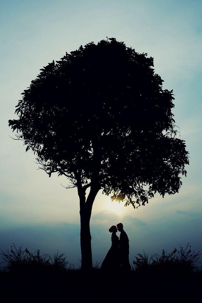 prewedding Ria + Irawan by twentyfour pictures - 012
