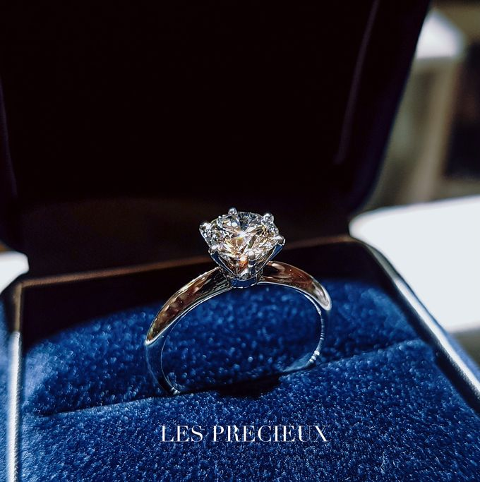 Solitaire Diamond Engagement Rings by LES PRECIEUX - 002