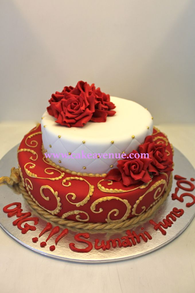Contemporary Customised Wedding Cakes by Cake Avenue - 003