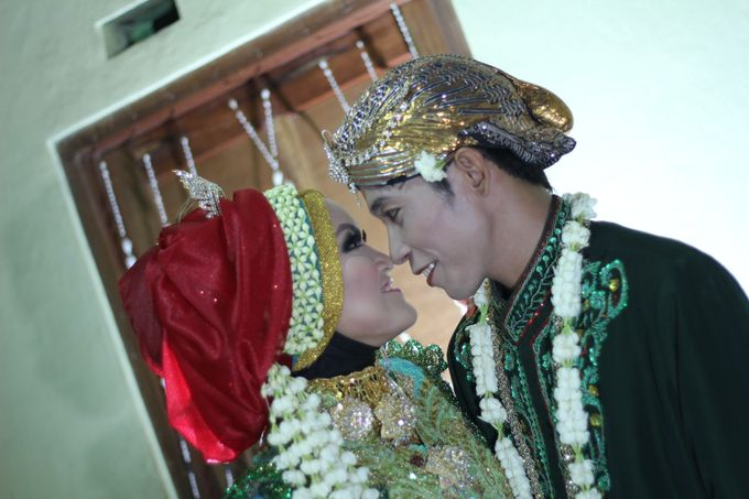 moslem wedding by yuli rias pengantin - 004