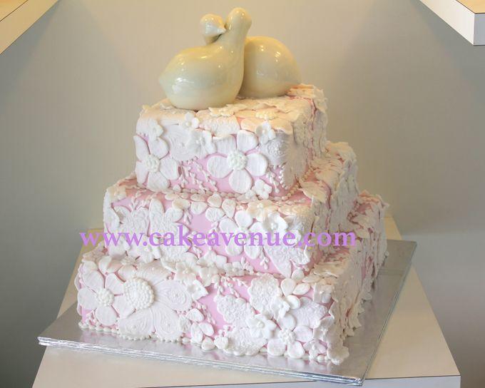 Classic Customised Wedding Cakes by Cake Avenue - 006