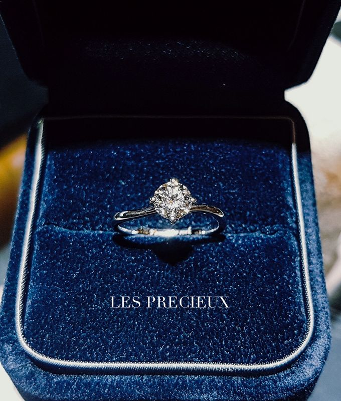 Solitaire Diamond Engagement Rings by LES PRECIEUX - 005