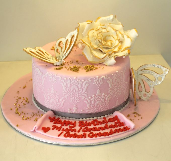 Single tier Customised Wedding Cakes by Cake Avenue - 002